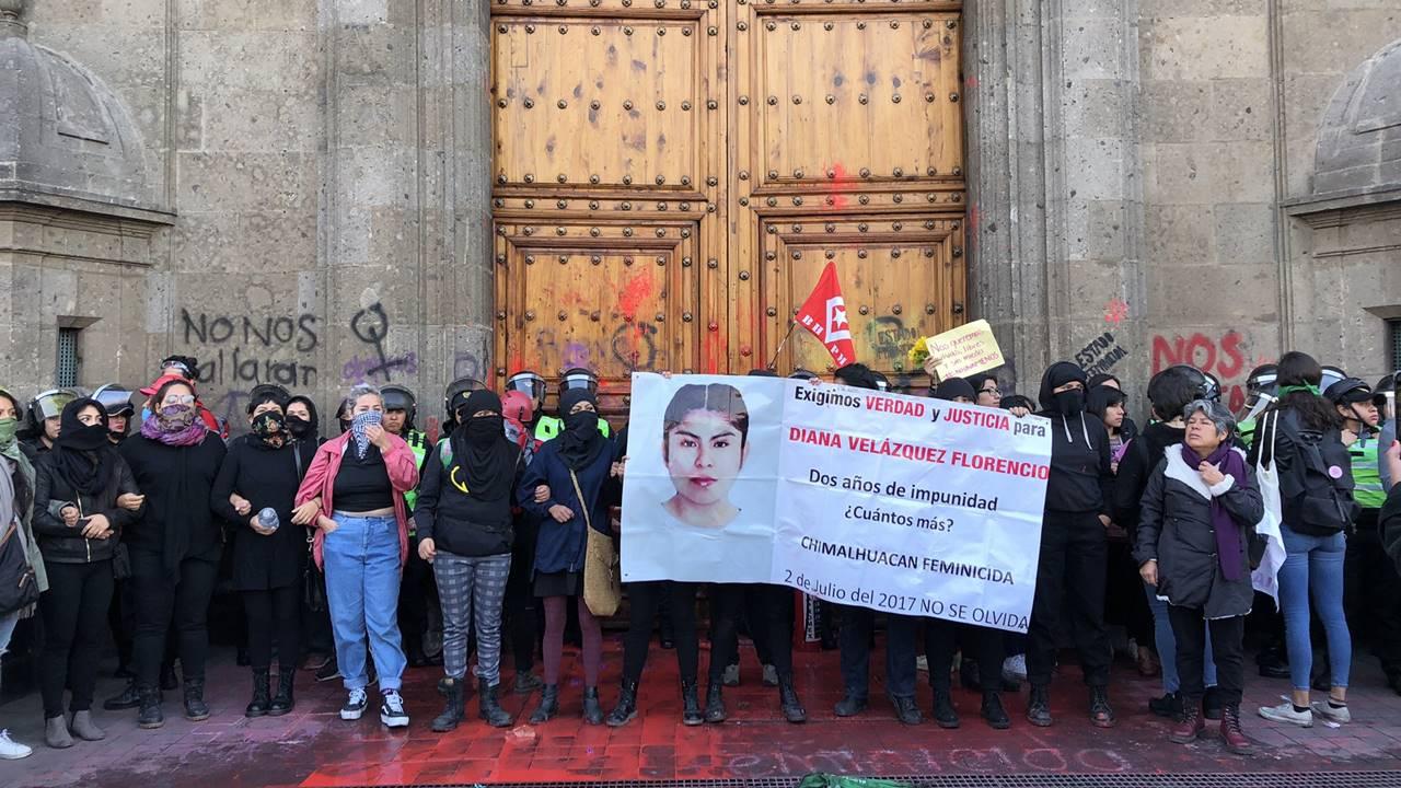 No paren la protesta, dice AMLO a mujeres contra feminicidios