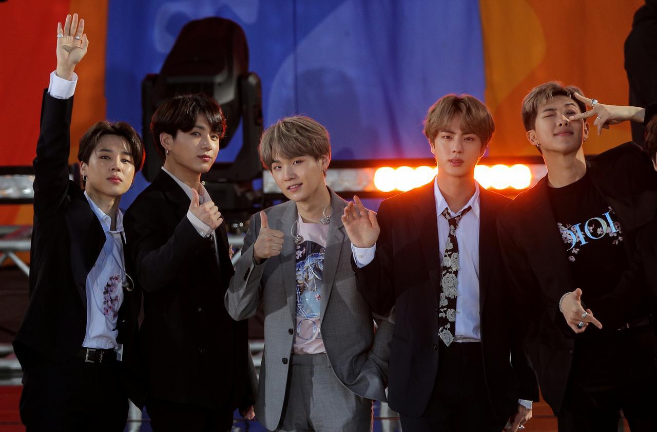 BTS presume posible colaboración con Samsung y sus fans enloquecen la web