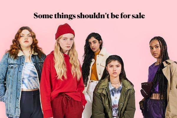Con modelos vivientes buscan concientizar sobre tráfico sexual