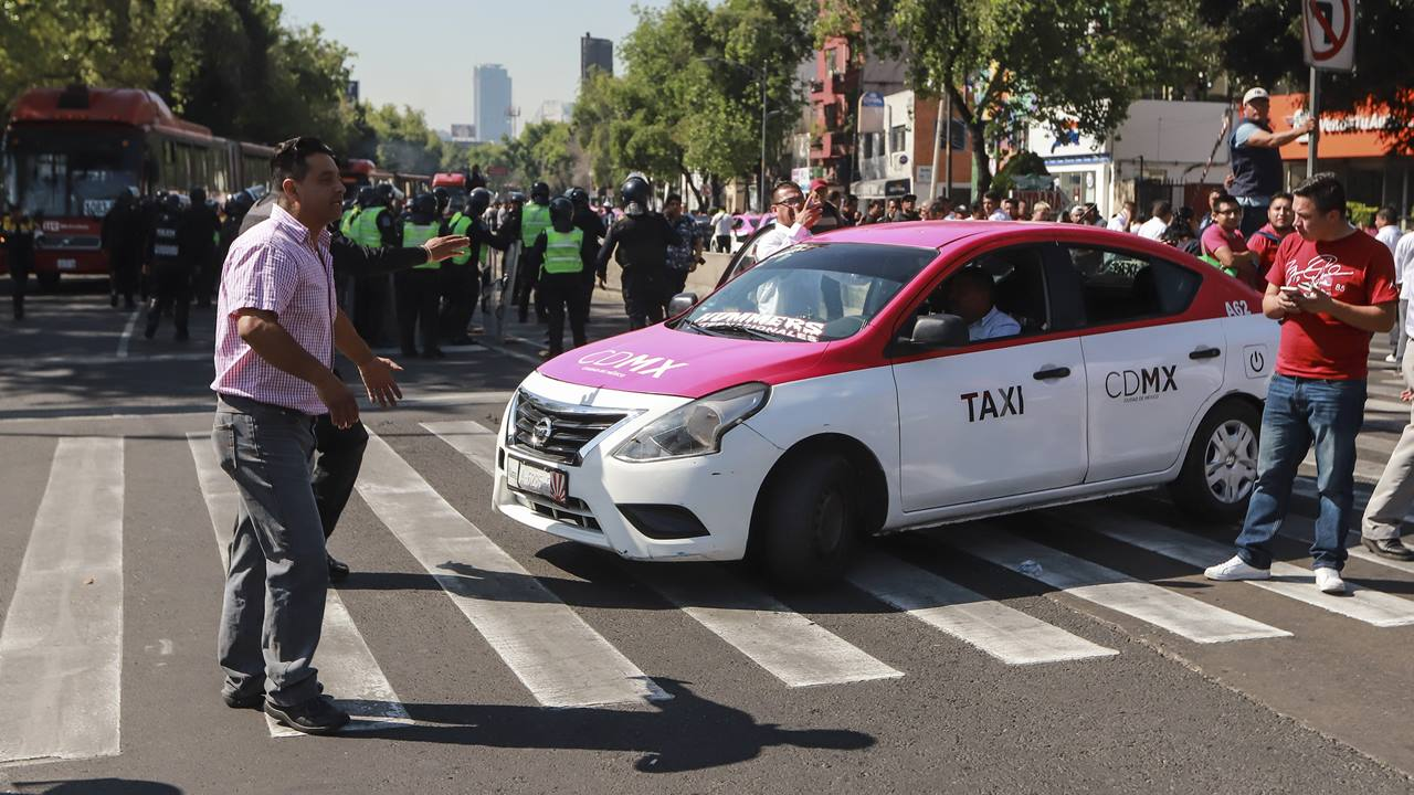 'Una app no sustituye una concesión', se quejan taxistas; plantean paro nacional
