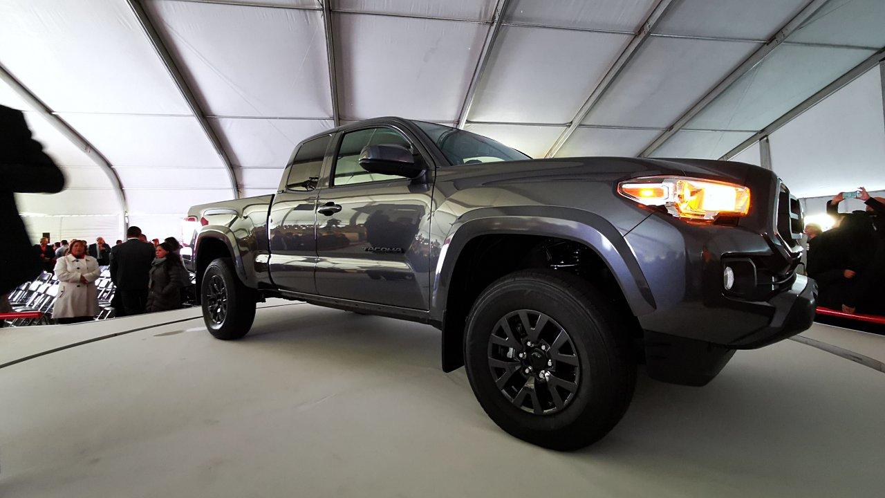 Toyota producirá 266,000 pickups en México