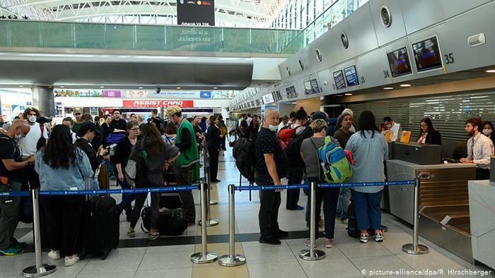 """Alemanes varados en América Latina: """"Me gustaría estar en el próximo vuelo"""""""
