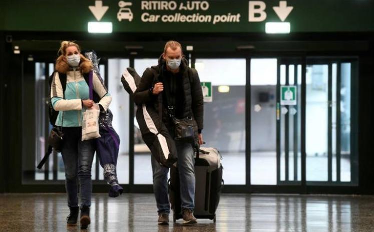 Italia cierra toda actividad comercial excepto farmacias y supermercados
