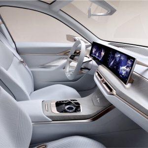 Curve display BMW i4