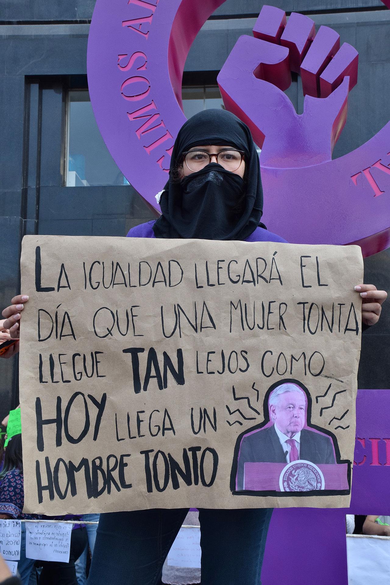 8M MARCHA EN CONTRA DE LA VIOLENCIA DE LA MUJER