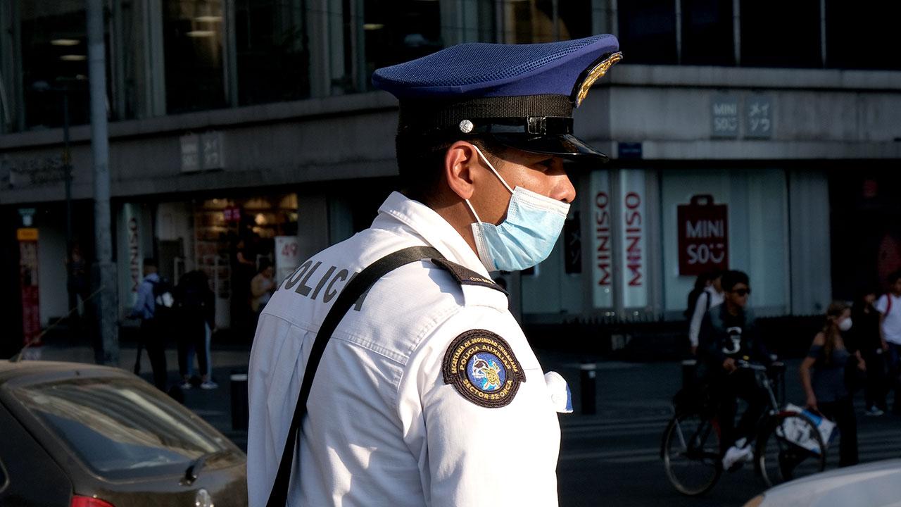 Recaudan caretas y cubrebocas para proteger a policías de Covid-19