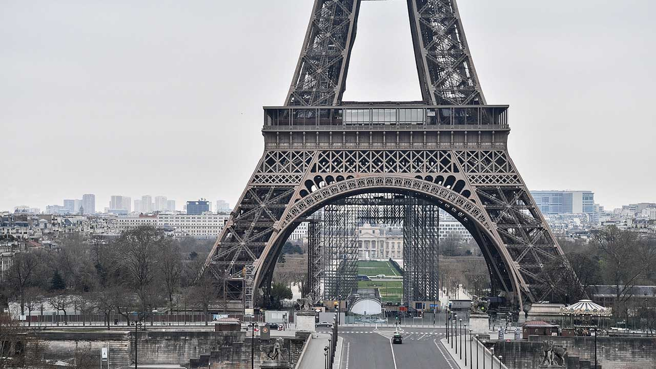En Francia estiman que pico de tercera ola de Covid-19 será el 20 de abril