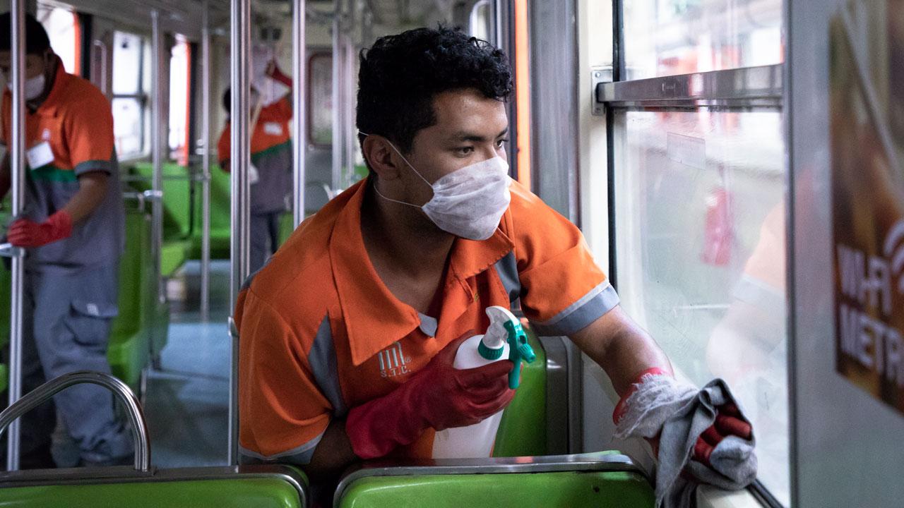 Fijan atención en las ventanas, pues consideran que es uno de los puntos más sucios. Foto: Angélica Escobar/Forbes México.