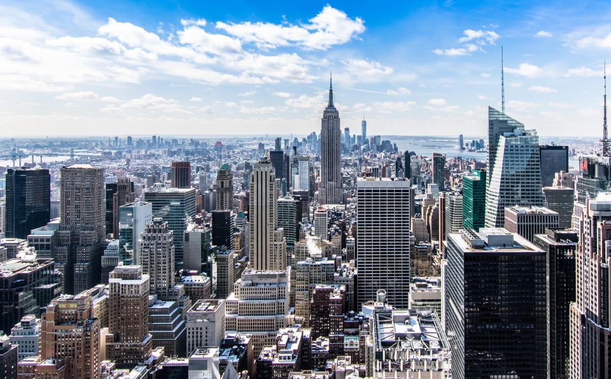 Nueva York inicia segunda fase reapertura de negocios