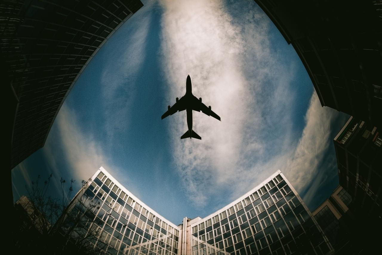Estados Unidos evalúa exigir uso de mascarillas en aeropuertos