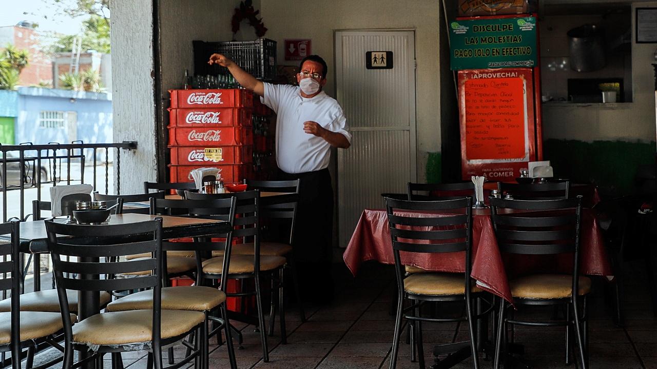 CDMX anuncia condonación fiscal para restaurantes
