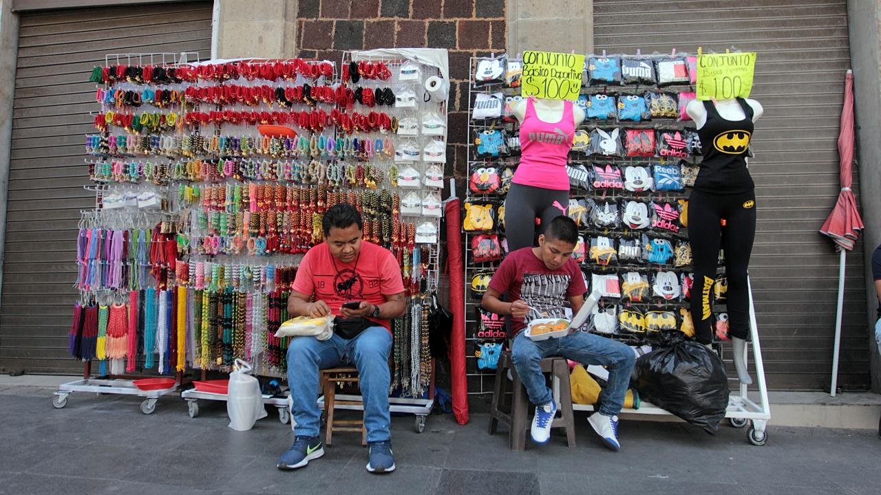 Pequeño comercio de la CDMX, en vilo de la informalidad, alertan