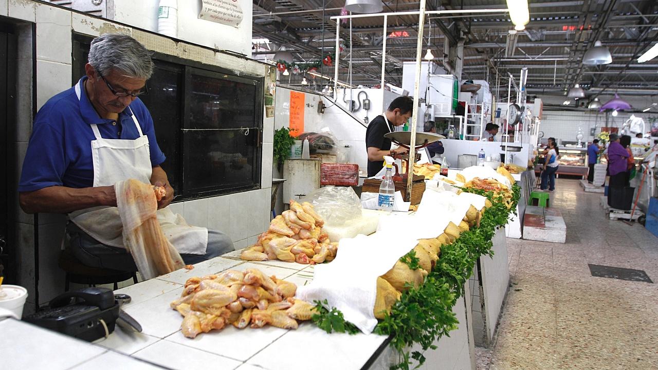 Abasto de alimentos en México está garantizado ante coronavirus: GCMA