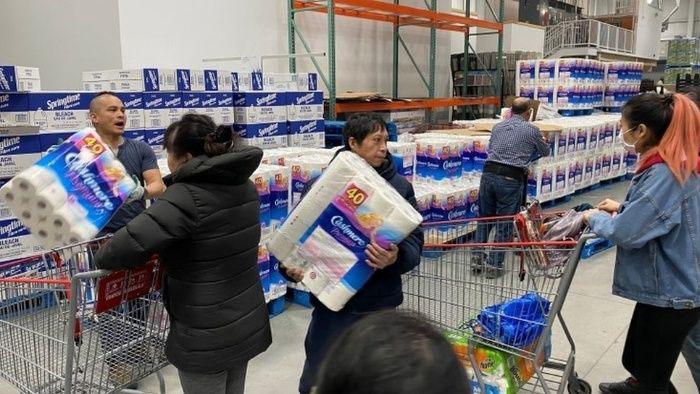 Precios del papel higiénico y gel antibacterial en el mundo aumentan por compras de pánico