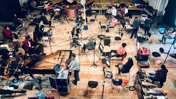 Atrapados en un castillo: músicos bolivianos en Brandeburgo
