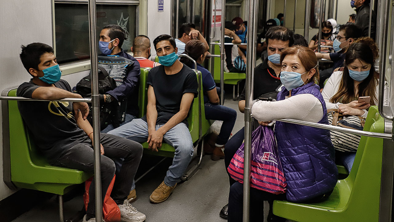 Metro cierra estaciones para evitar aglomeración en 10 de Mayo