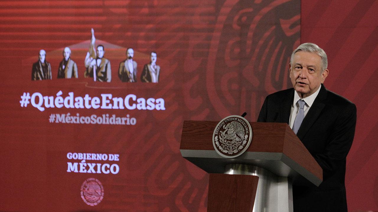 Mayoría de mexicanos aprueba manejo de AMLO sobre coronavirus: encuesta