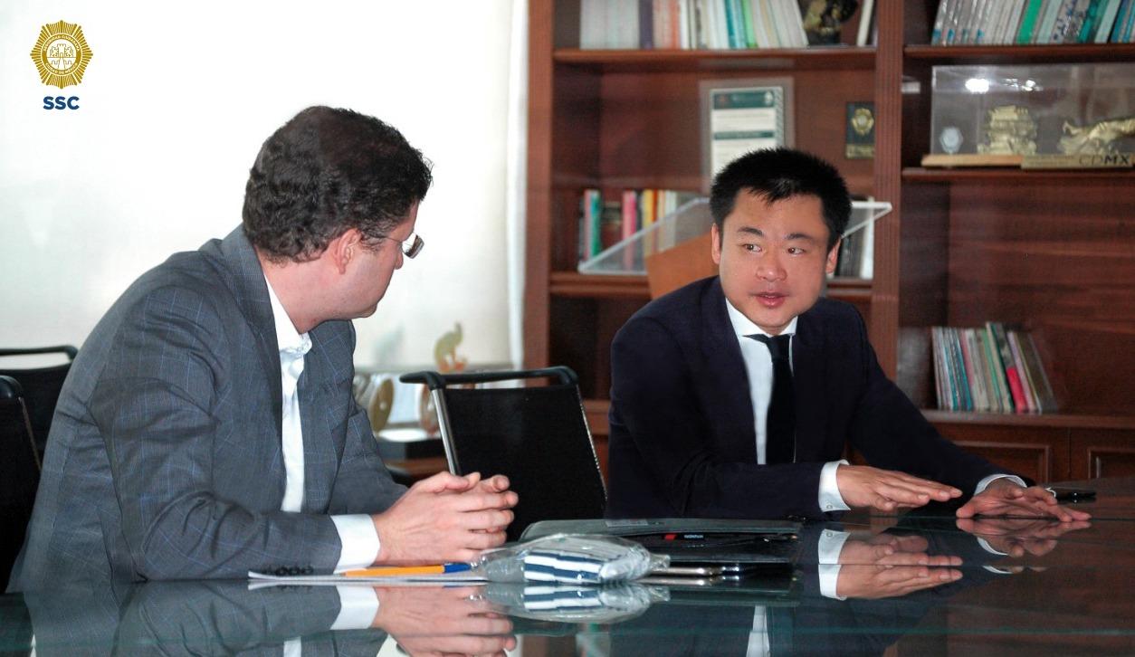 Policías de la SSC contarán con 10 mil caretas de acrílico cortesía de Huawei