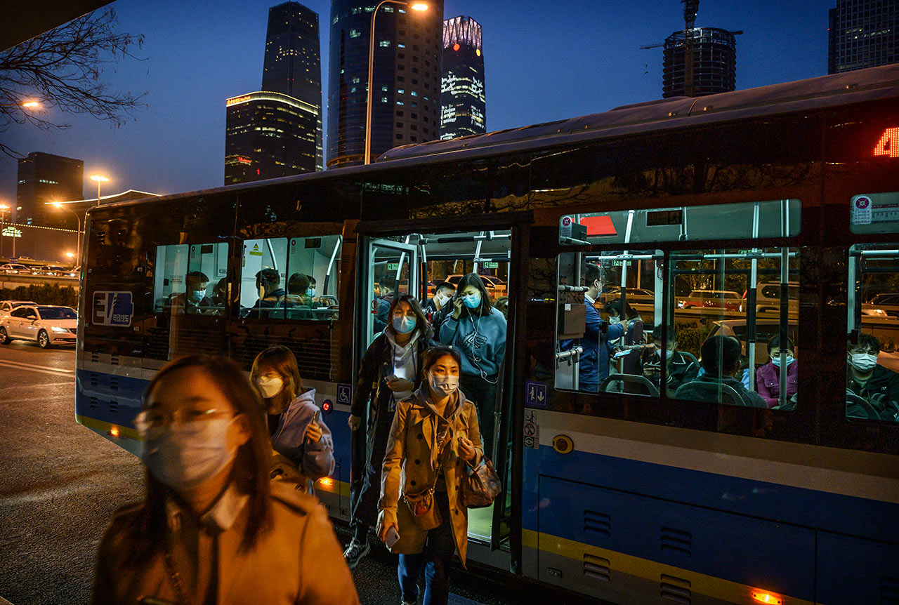 China registra 230 millones de viajes durante puente vacacional