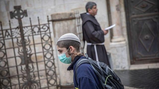 Coronavirus Israel Good Friday procession in Jerusalem