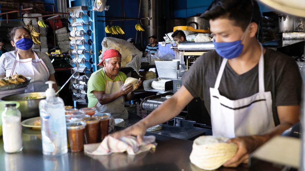 Molineros acusan alza desmedida en los precios del maíz