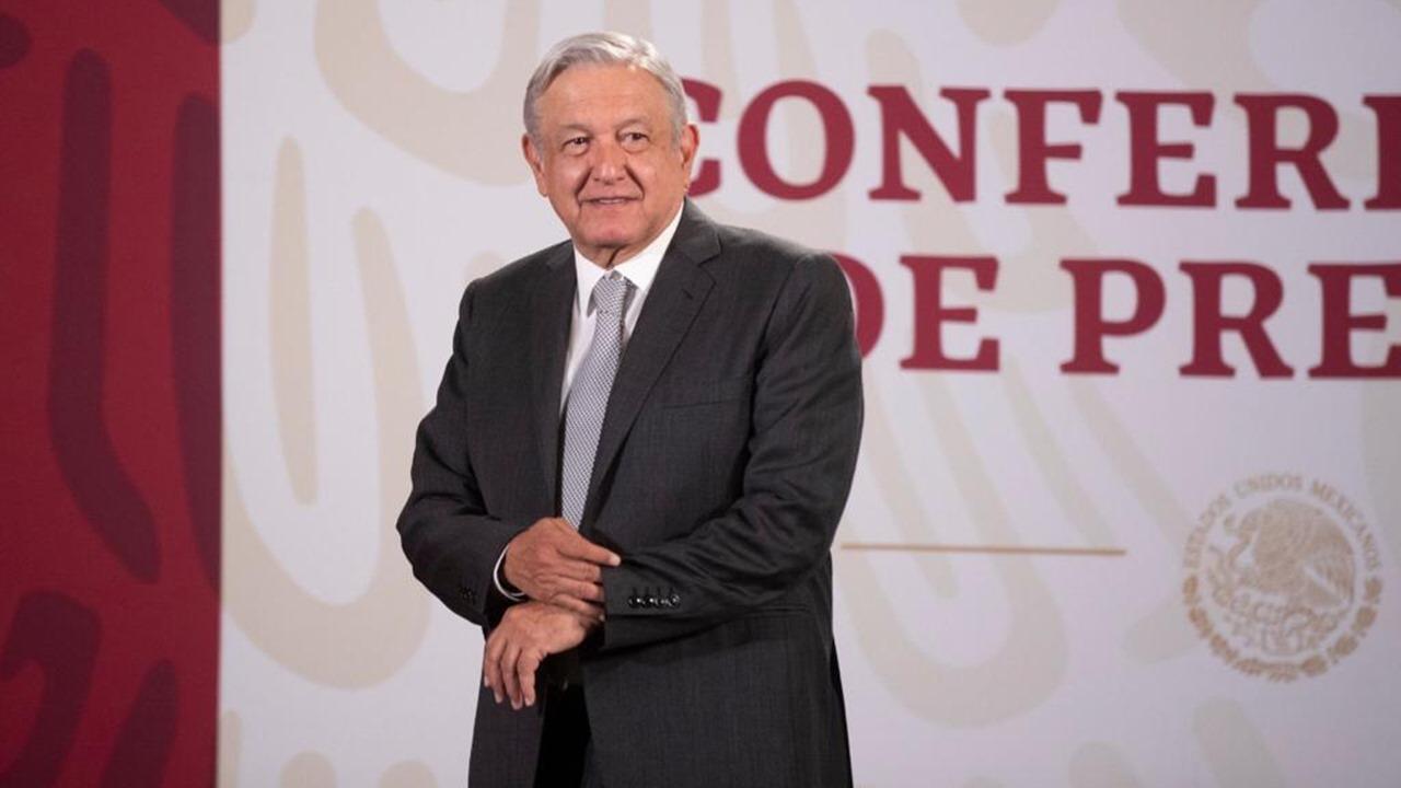 AMLO anuncia créditos de 25,000 pesos para pequeños negocios ante coronavirus