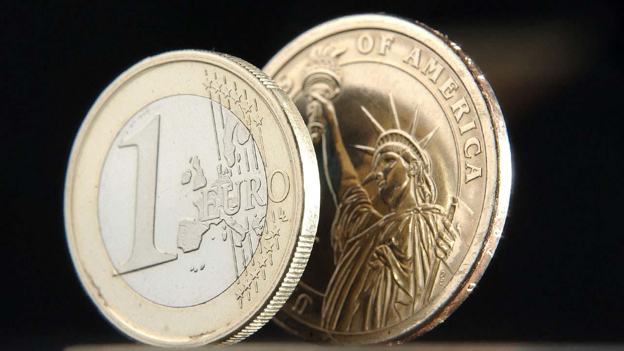 Euro registra su valor máximo frente a dólar desde septiembre