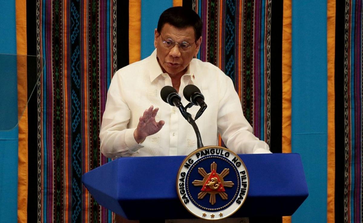 Presidente de Filipinas ordena matar a quienes violen cuarentena