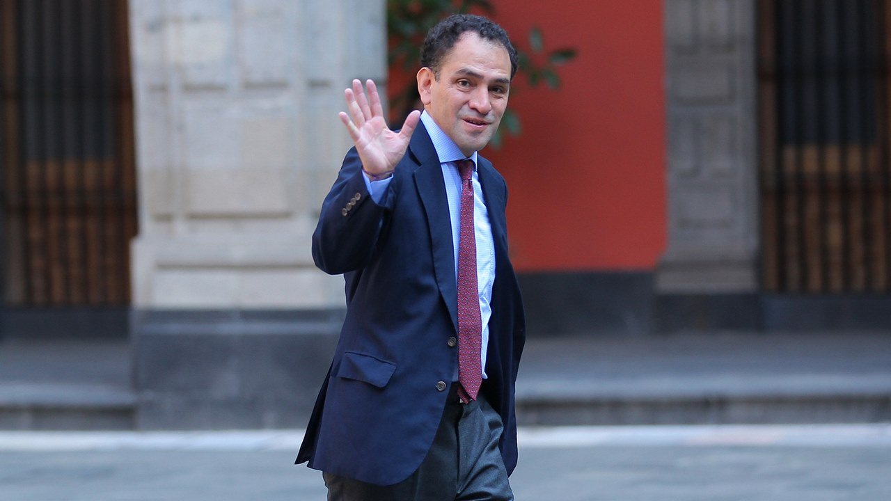 Preocupa más cómo reactivar economía que la calificación del país: Herrera