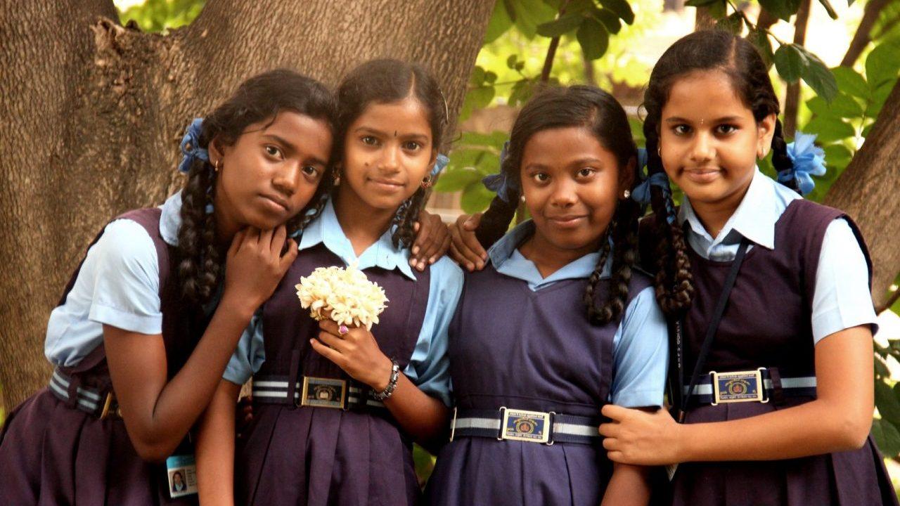 Las niñas aprenden tecnología con Girls4Tech esta cuarentena