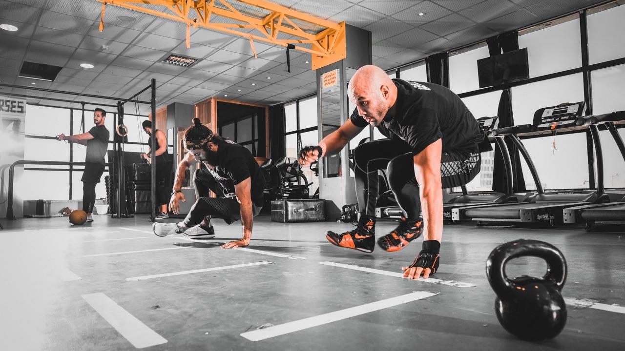 Descubre el modelo fitness que ve por el bienestar de las empresas