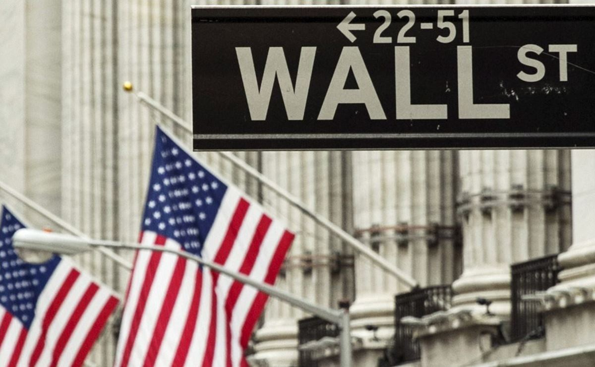 Wall Street inicia a la baja tras advertencias de Trump sobre más aranceles a China