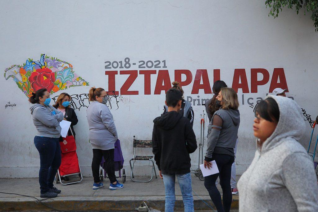Coronavirus Entrega de apoyos en Iztapalapa