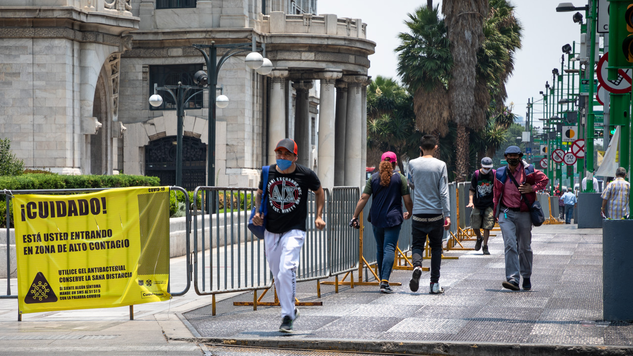 CDMX, en 'semáforo naranja hacia el amarillo'; permiten regreso a oficinas… al 20%