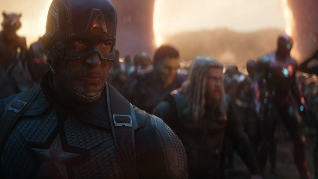 El Capitan America te invita a una fiesta con sus amigos