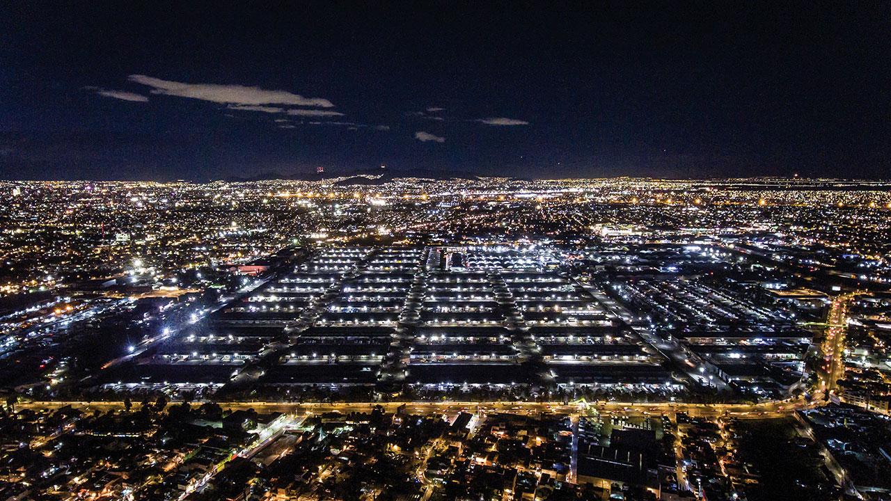 CDMX tendrá planta solar en el techo de la Central de Abastos