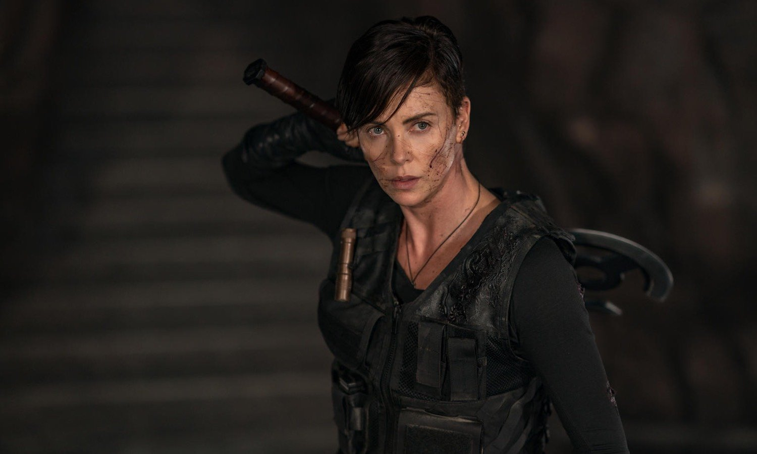 Charlize Theron muestra golpes de adrenalina en trailer de 'The old guard'