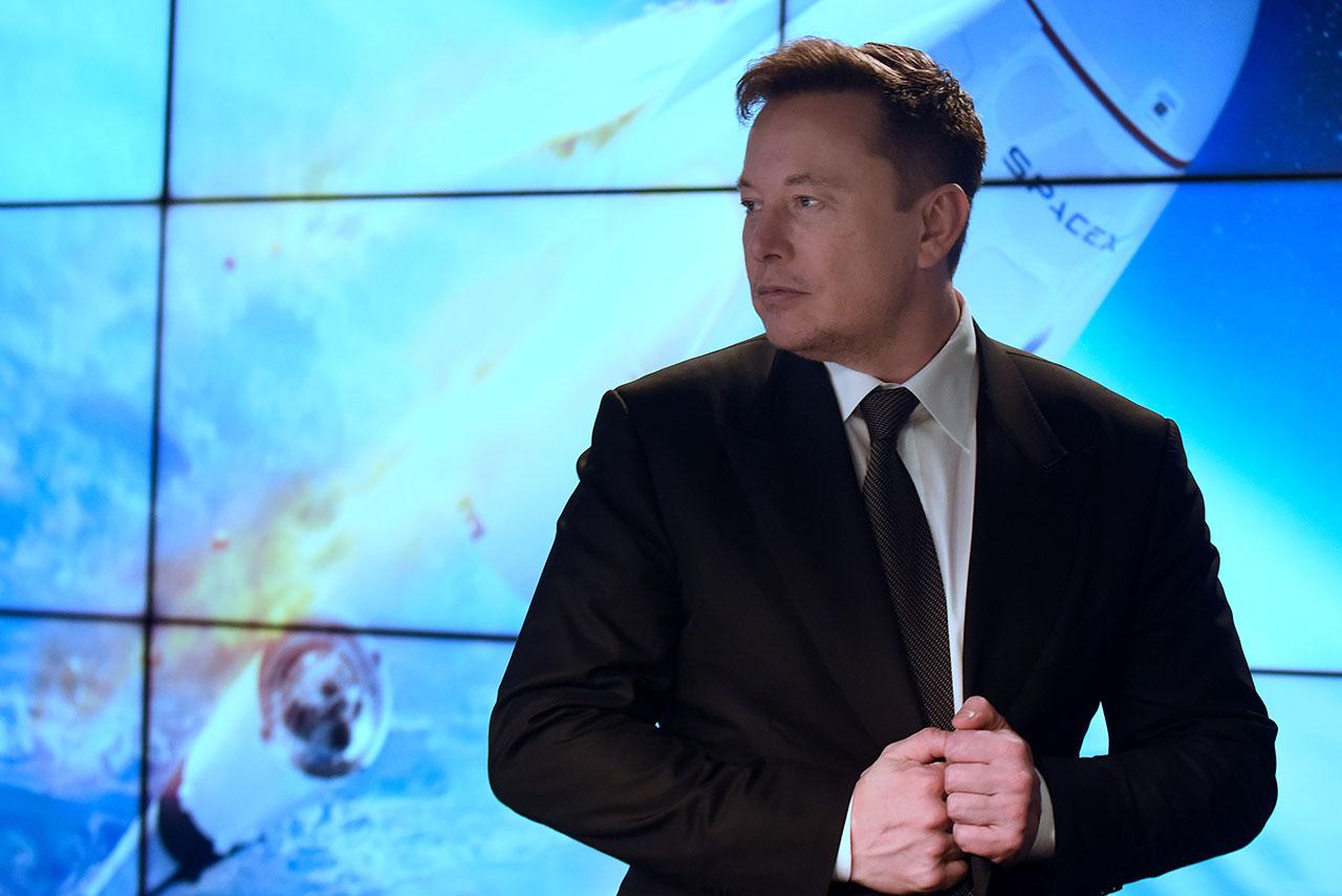 """SpaceX anuncia para 2021 la primera misión """"totalmente comercial"""" al espacio"""