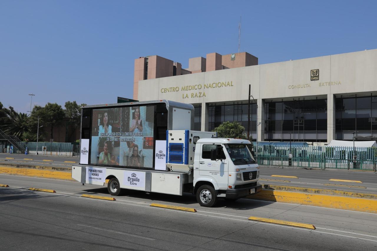 #OrgulloExtra: el homenaje de las madres al cuerpo médico de nuestro país