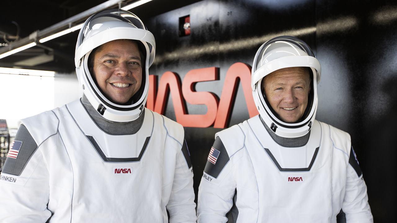Elon Musk envía a sus primeros astronautas al espacio