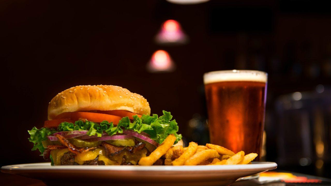 Hamburguesa vegana sí es hamburguesa: Parlamento Europeo