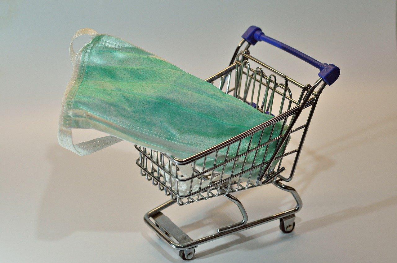 El uso de cubrebocas va para largo en los supermercados: Bursamétrica
