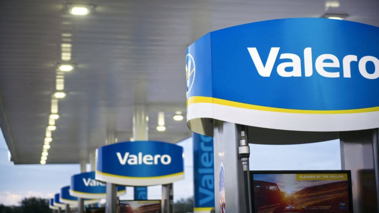 Valero ya almacena combustible en Veracruz