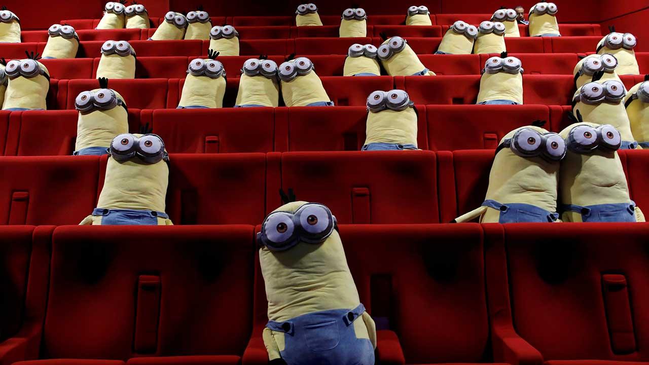 Minions ayudan a espectadores a mantener distancia social en cines