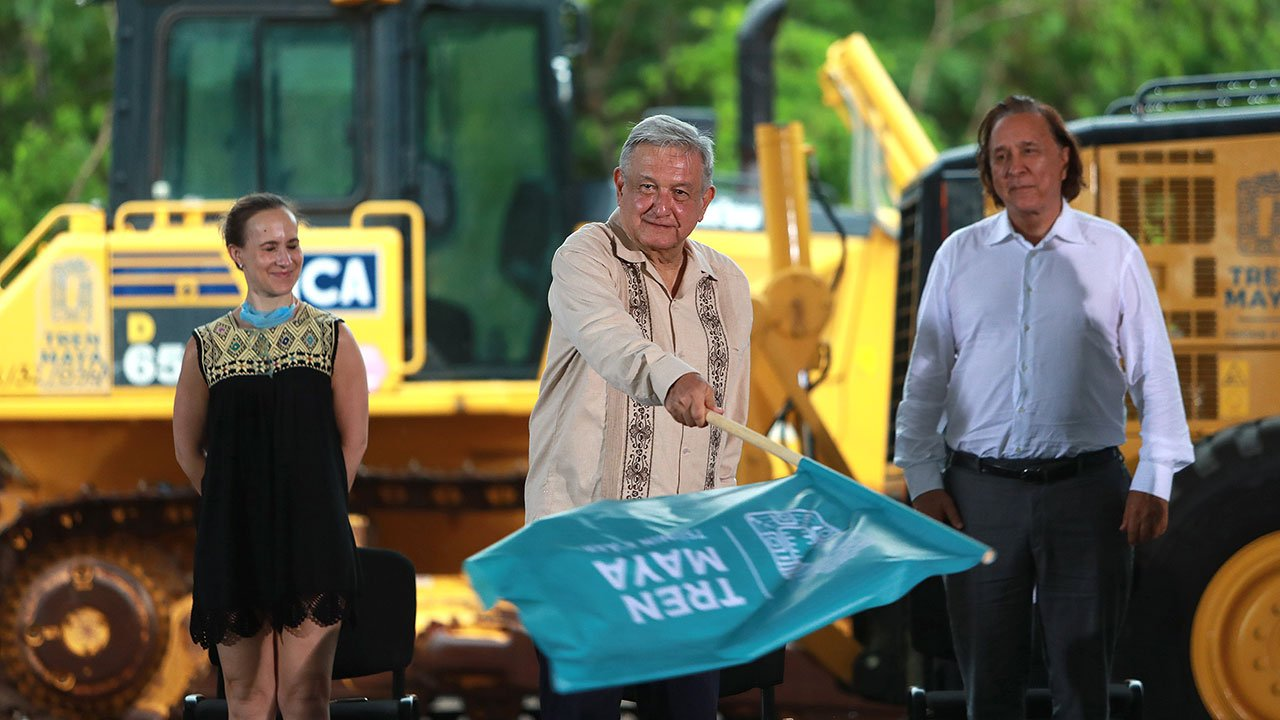 Empresa del Ejército administrará Tren Maya y aeropuertos: AMLO
