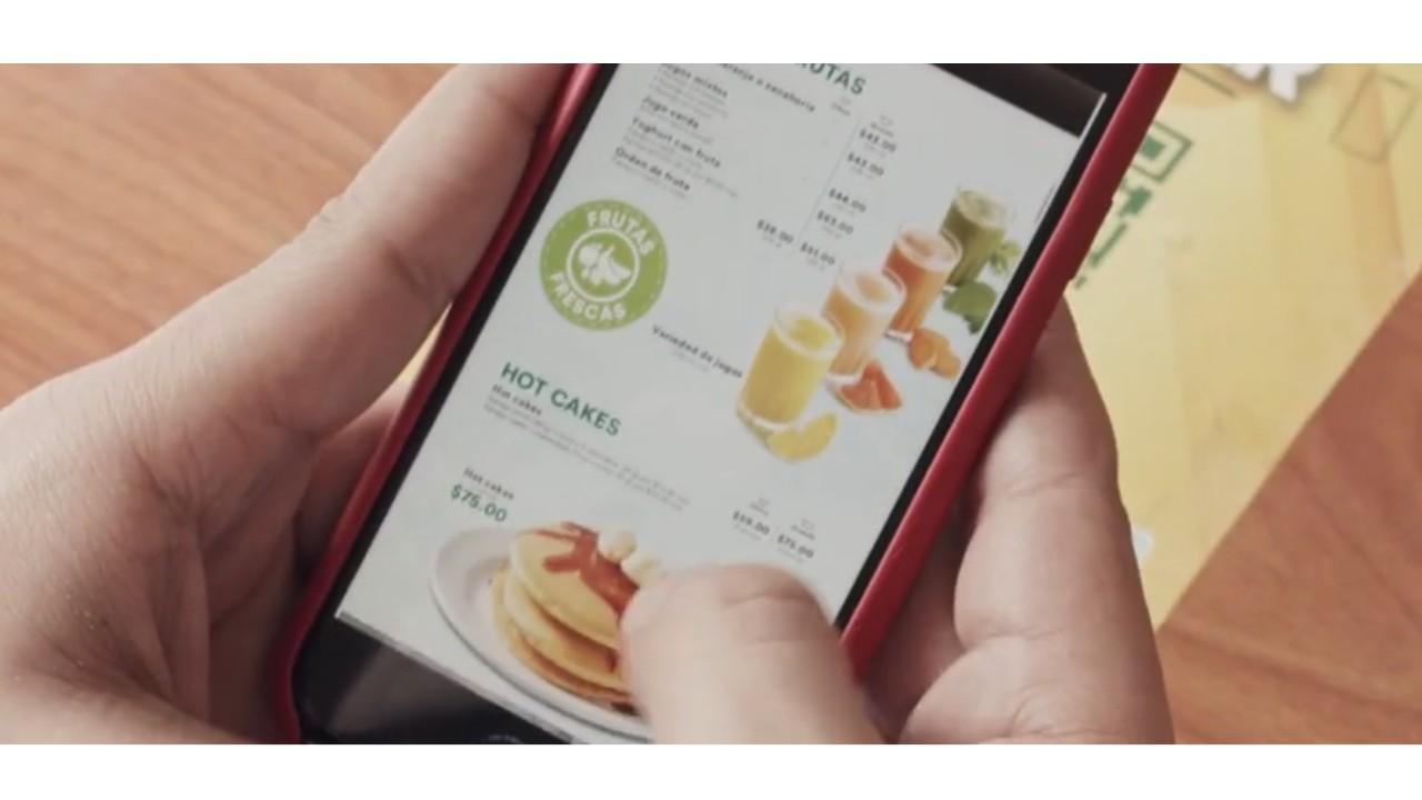 Bisquets Obregón reabre con aforo reducido y menú para leer en el celular