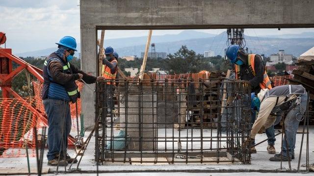 coronavirus, covid-19, construction pandemia 2020 obra albañiles
