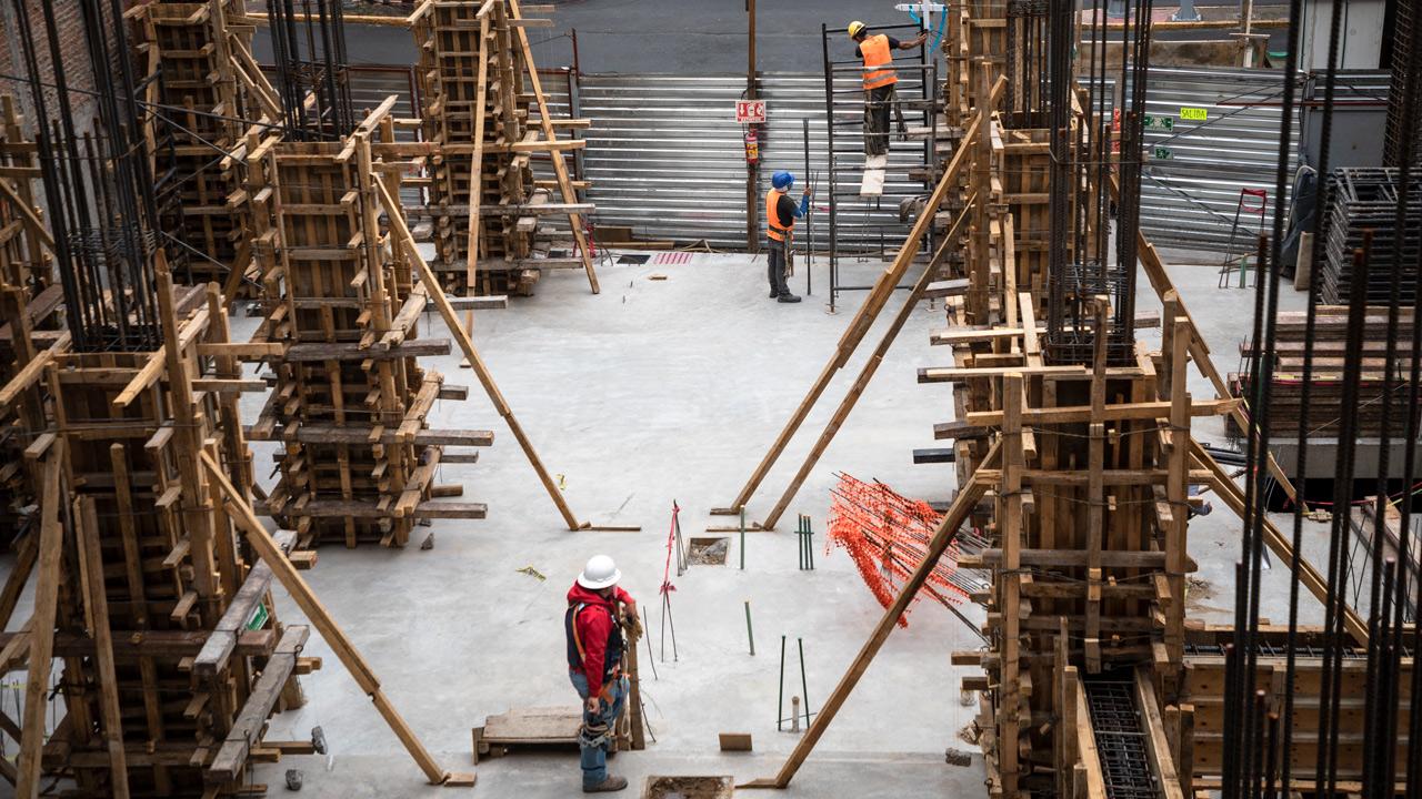 Actividad industrial se estanca en diciembre; construcción sigue sin levantar