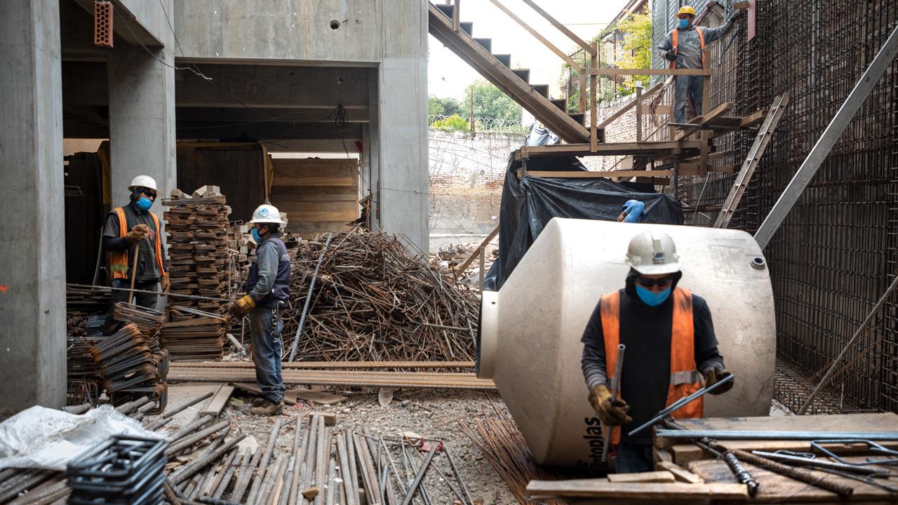 Construcción requiere que el gobierno invierta para reactivarse: CMIC