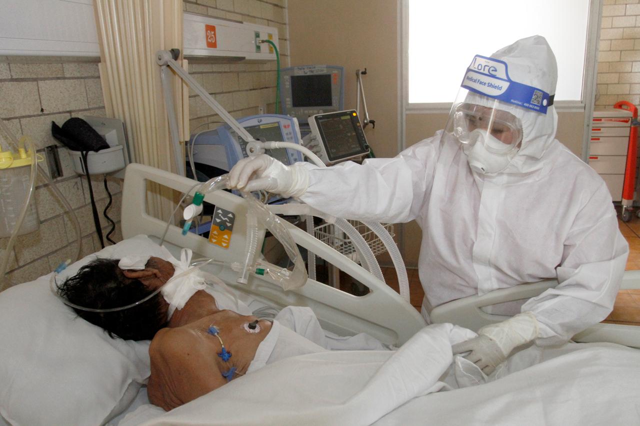 10% de enfermos graves de Covid tiene anticuerpos que empeoran la enfermedad